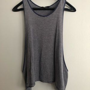 muscle tee striped